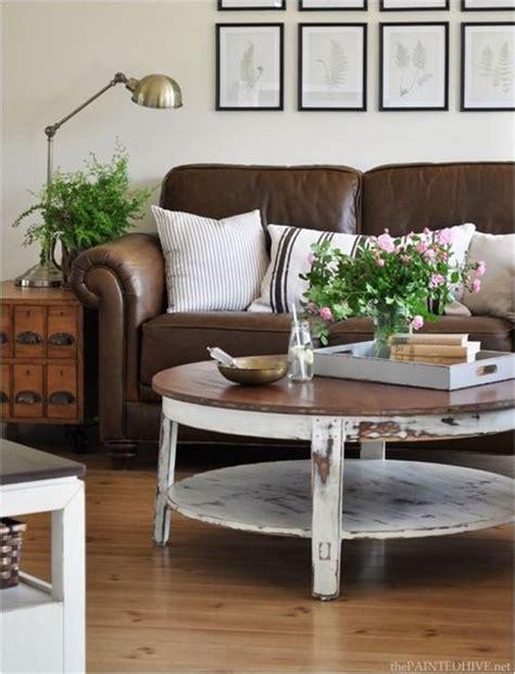 como decorar sala con muebles marrones c 243 mo decorar la habitaci 243 n con un sof 225 color marr 243 n