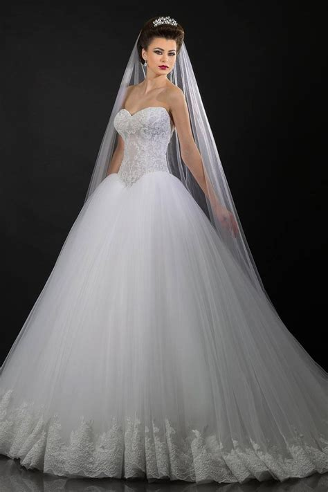 25  best ideas about Ballroom Wedding Dresses on Pinterest