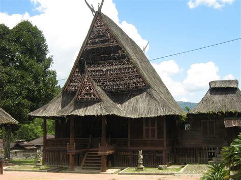 inilah rumah adat batak mandailing sumatera utara batak
