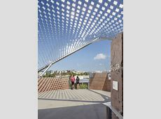 Crossroads School for Arts and Sciences / Frederick Fisher ... Install Chrome