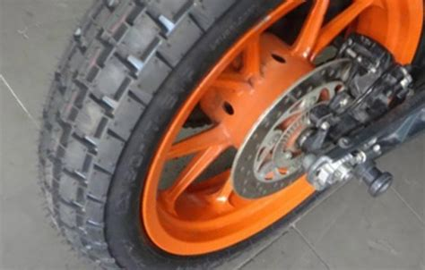 Ktm Duke 390 Tyres Ktm Duke Rc 390 Tyre Options Other Than Stock Metzelers