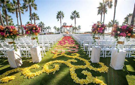 Wedding Aisle Flower Petal Designs by 21 Flower Petal Aisle Runners For Your Wedding