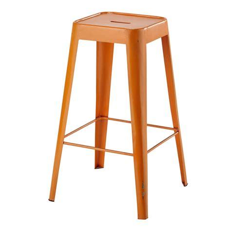 taburete naranja taburete de bar de metal naranja tom maisons du monde