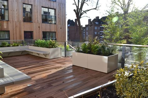 Roof Planters by Stratum Roof Garden Planters Design