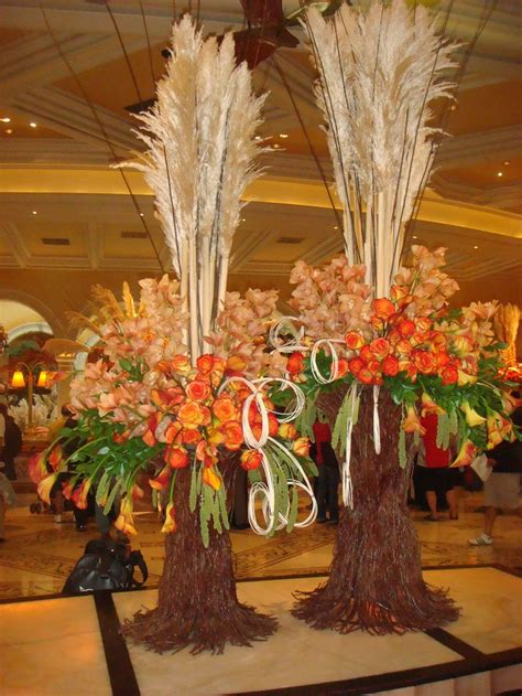 fall wedding flower arrangement creative    fall