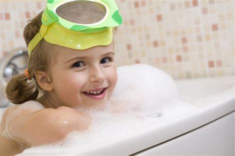 ab wann kocht wasser die 10 besten tricks zum haarewaschen bei kindern so