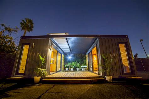 building amazing homes  mobile spaces  shipping