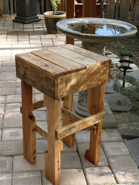 diy idea rustic pallet stool diy with pallets crates hout pallet