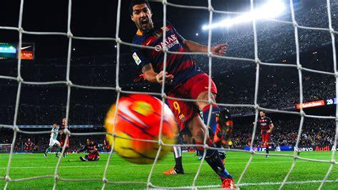 barcelona news goal com luis suarez agrees new barcelona deal goal com