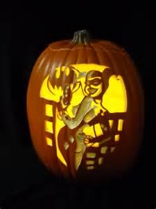 pumpkin carving 2011 harley quinn based on the art of