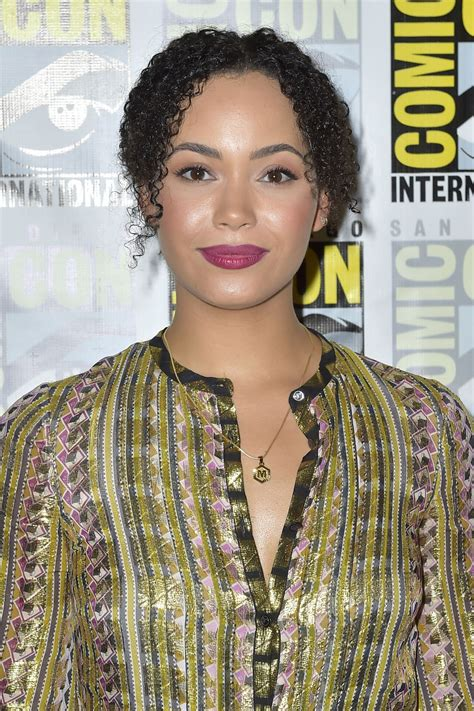 madeleine mantock madeleine mantock madeleine mantock charmed tv show photocall at comic