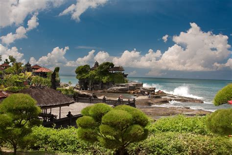 mhd tanah lot uluwatu sunset dinner mari bali tours
