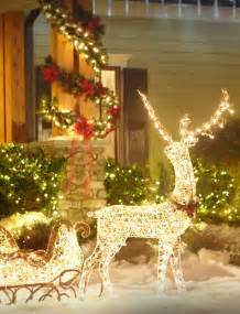 Outdoor Christmas Decor by 26 Super Cool Outdoor D 233 Cor Ideas With Christmas Lights