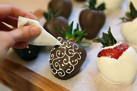 How To Make Decorative Chocolate by Chocolate Covered Strawberries Sugar Coated Kitchen