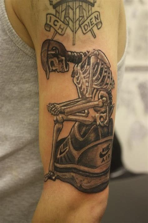 nike tattoos designs 25 best ideas about skeleton tattoos on