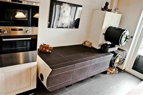 kachelofen mit backfach kachelofen wohnk 252 che sitzbank backfach warmhalteplatte