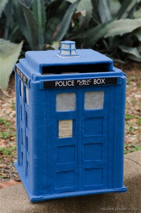 Tutorial Mini Doctor Bag tardis card box tutorial diy tardis model plans
