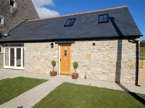 3 bedroom houses for rent in weymouth 2 bedroom barn in weymouth bcott 2 br vacation barn for