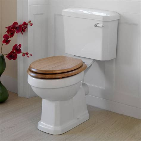 oak wooden toilet seat   perfect match