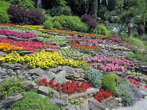 giardino fiorito torino giardini fioriti in lombardia consigli per una gita profumata