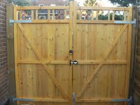 gate lock throw for wooden garden gate garage or
