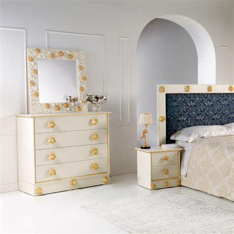 pomelli di legno schlafzimmer kommode mit 4 schubladen und griffe in rosenoptik