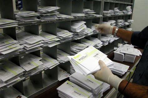 torino uffici postali allarme antrace alle poste dipendenti rinchiusi da ieri