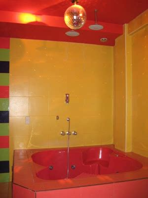 austin powers bathroom take a step into the austin powers room the beauty bin