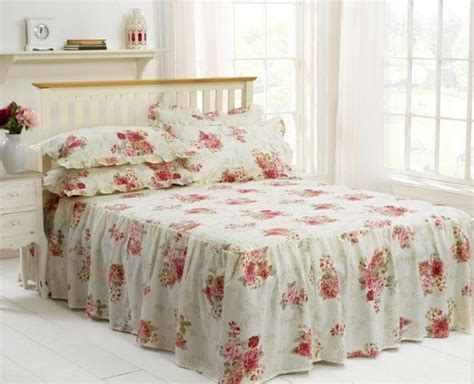 Epsom Traditional Frilled Fitted Bedspread Quilted Wine