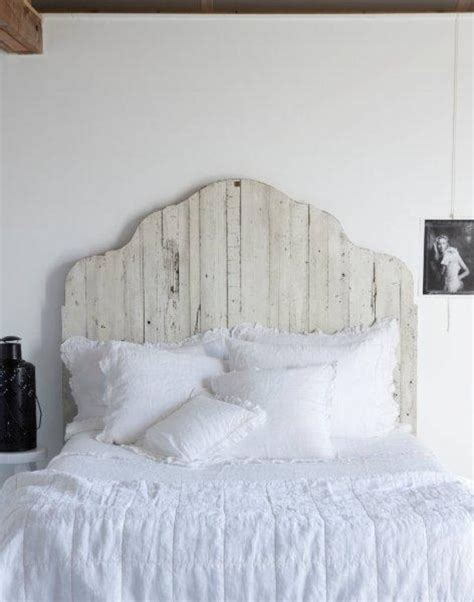 Barnwood Headboards by Top White Wooden Headboard On White Washed Barnwood