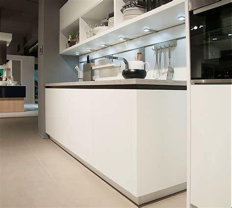 küche mit granitarbeitsplatte wohnideen wohnzimmer blau