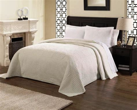 oversized coverlets king size bed oversized king size bedspreads white what is the
