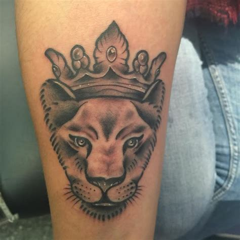 lioness with crown tattoo tattoos factory
