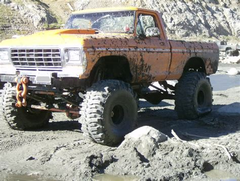 mudding trucks monster mud trucks huge mud trucks amazing cars