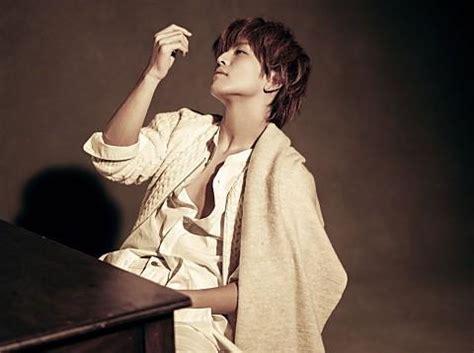 dance biography exle takanori iwata singer jpop