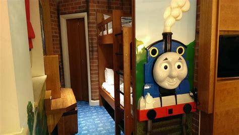thomas themed bedroom what is drayton manor s hotel and thomas friends themed