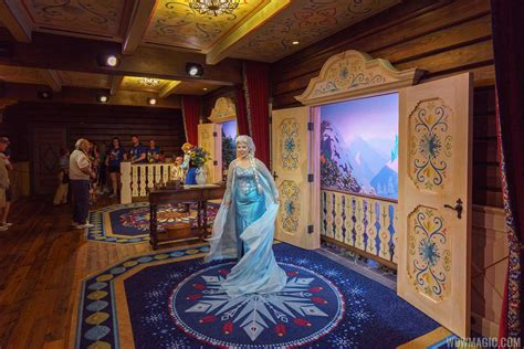 The Bedroom Tour Meet And Greet Photos Take A Tour Through The Royal Sommerhus At Epcot