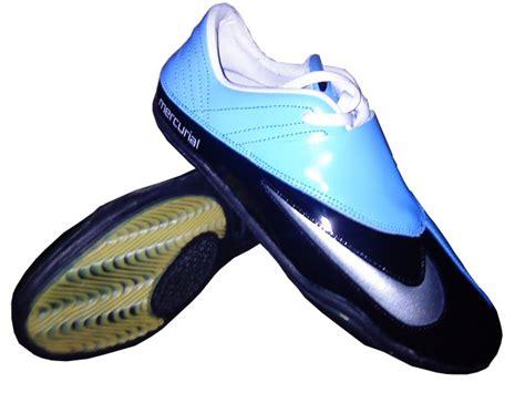 Gambar Sepatu Bola Nike Dan Nya satryapande smanda 2 kumpulan gambar sepatu futsal keren