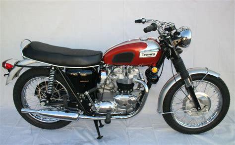 wayne s triumph motorcycles sold for 17 000 to california 1969 triumph bonneville