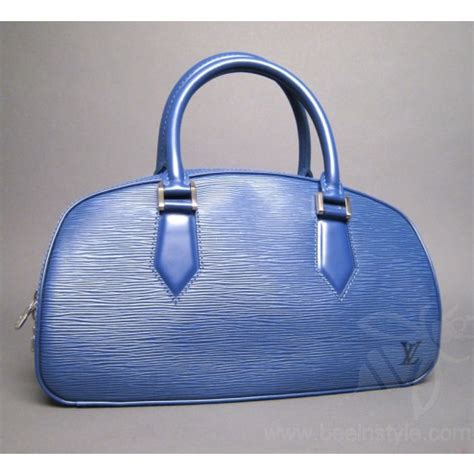 Blus Eksklusif Louis Top Limited Stock louis vuitton myrtille blue epi leather bag