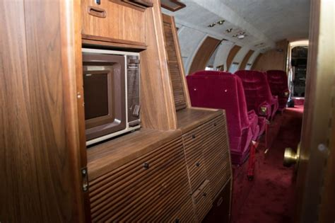See The Inside Of Elvis Presley's Vintage Private Jet