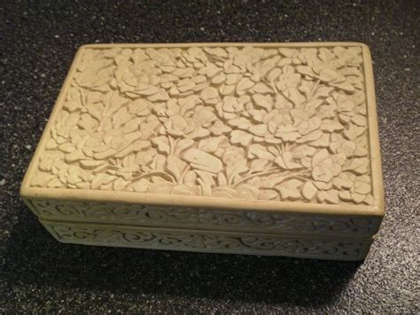 antique chinese carved white cinnabar cigarette box flowers leaves on