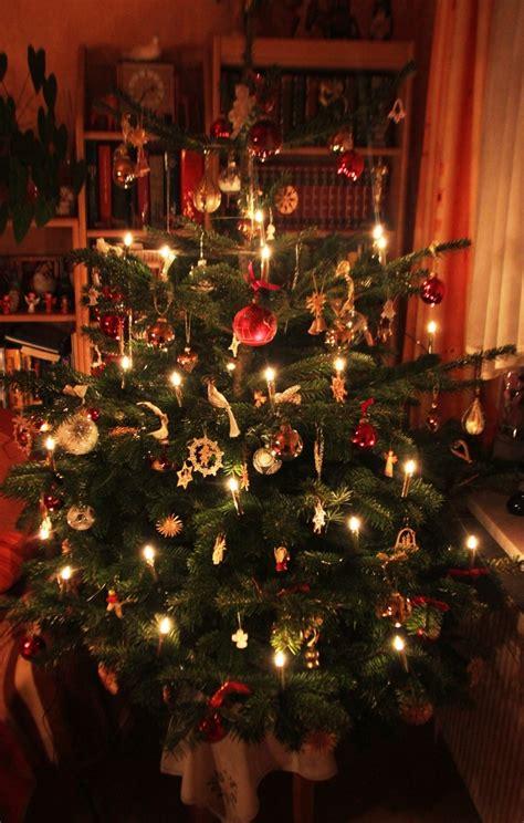 weihnachtsbaum mit kerzen related keywords