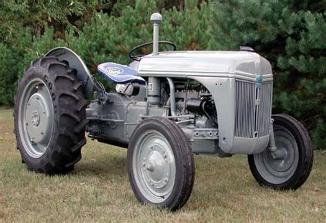 ford tractors difference between a 9n 2n and 8n