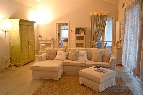 poltrone su misura divani poltrone tende su misura dietro l angolo