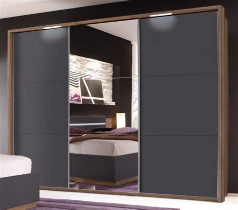 kleiderschrank nussbaum schwarz dandy kleiderschrank spiegelschrank schiebet 252 renschrank
