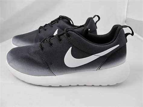 Sale Nike Roshe Run Casual Running Black White Belilagi nike womens roshe run black white