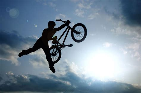 videos28771bmx bike tricks jumps how to do a bunny hop bmx tricks bmx racing bikes vs bmx trick bikes what is the best