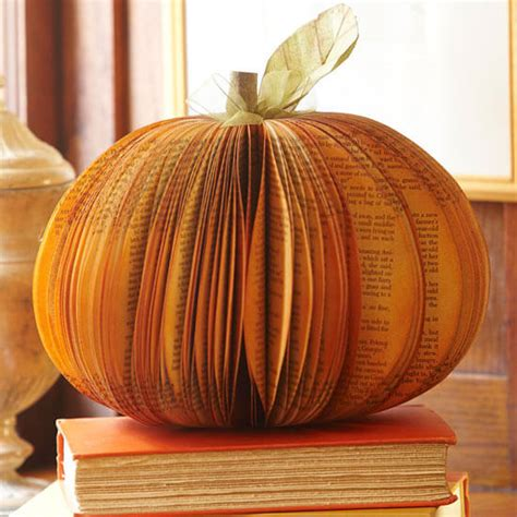 Paper Pumpkins - how to make a fall paper pumpkin centerpiece homejelly