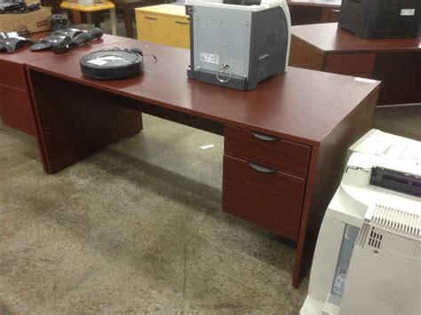 Pedestal Ceo Mahogany 6 Single Pedestal Executive Desk